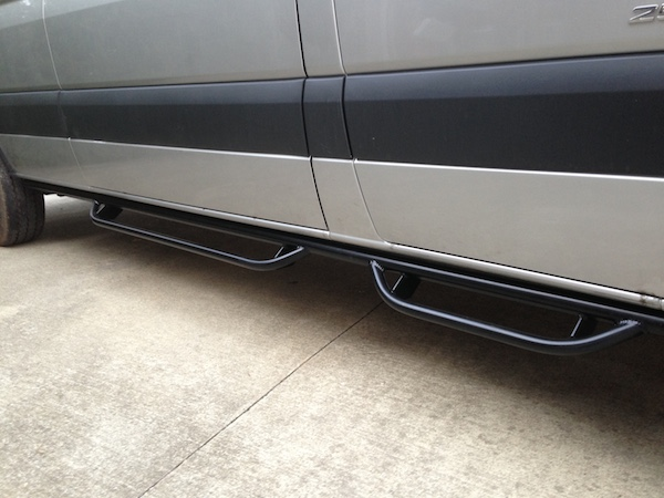 Aluminess Nerf Bars (Passenger Side)